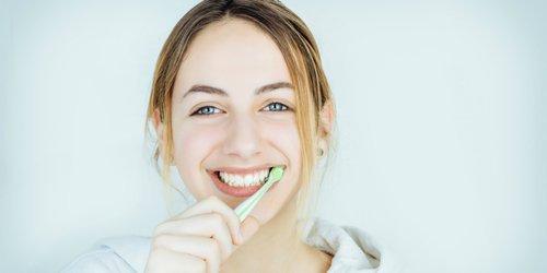 sensitive teeth brushing